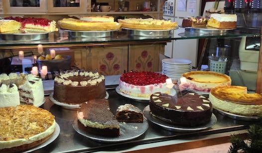 ドイツのケーキのショーケース